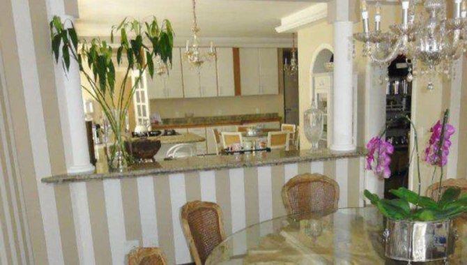 Foto - Parte Ideal sobre Domínio Útil de Apartamento 421 m² - Alphaville - Barueri - SP - [5]