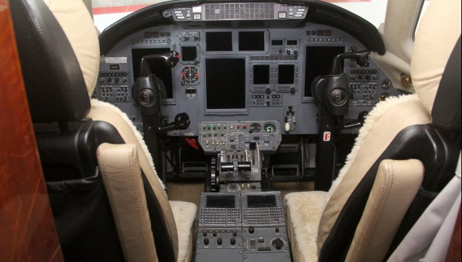 Foto - Aeronave Cessna Aircraft Citation XLS, 2005, Branca - [12]