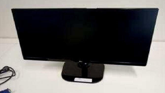 Foto - 01 Monitor LG Flatron (Lote nº 15) - [1]