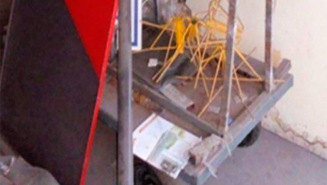 Foto - 01 Carrinho Plataforma para Transporte de Peças - [1]