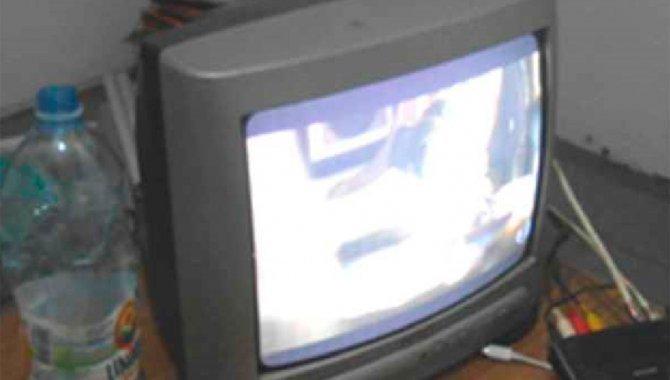Foto - 01 Televisor de Tubo CCE - [1]