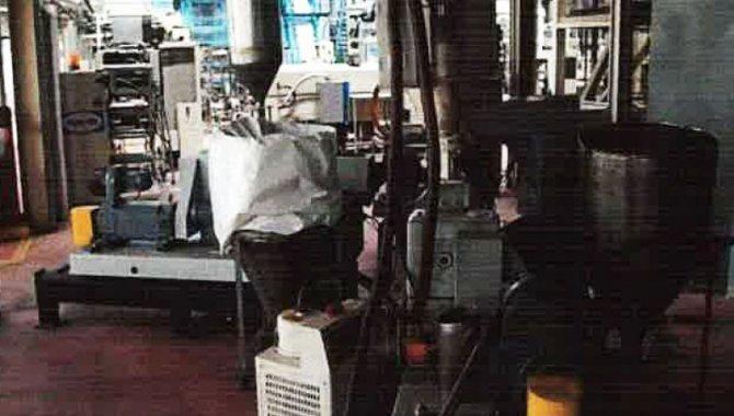 Foto - 01 Co-Extrutora com 04 Extrusoras e 05 Camadas/ Unipac, 1999 - [2]