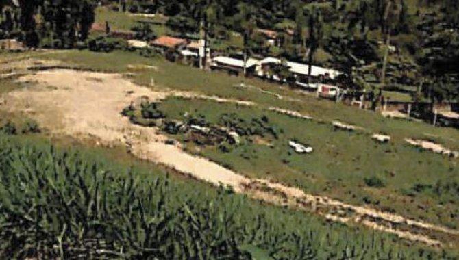 Foto - Terreno 9.370 m² com Galpão 1.236 m² - Bairro das Posses - Serra Negra - SP - [3]