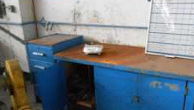 Foto - 01 Bancada de Trabalho de Aço com 03 portas - com ferramentas - [1]