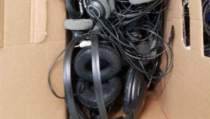 Foto - 01 Caixa com diversos Fones - Headset - [1]