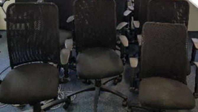 Foto - 05 Cadeiras Giratórias com Braço Alberflex 4NPIS (Lote 315) - [1]