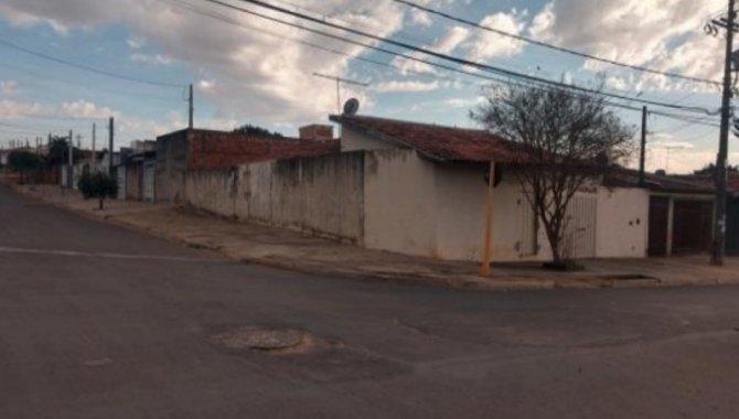 Foto - Casa 93 m² - Conjunto Hab. Presidente Eurico Gaspar Dutra - Bauru - SP - [2]