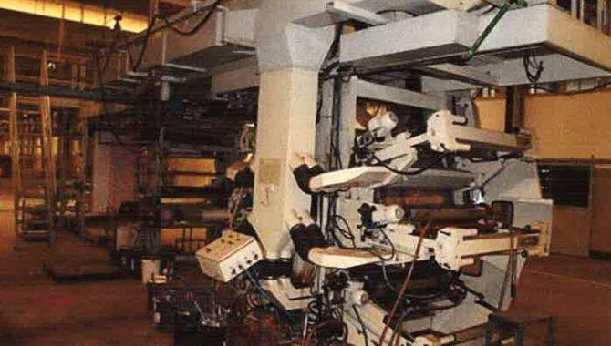 Foto - 01 Impressora Flexográfica para 06 Cores Frontais e 06 Cores no Verso, 1990 - [1]