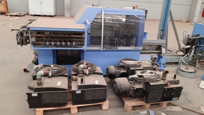 Foto - 01 Máquina automática para grampeação e corte trilateral de revistas e livros - [10]