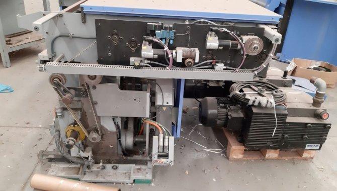 Foto - 01 Máquina automática para grampeação e corte trilateral de revistas e livros - [5]