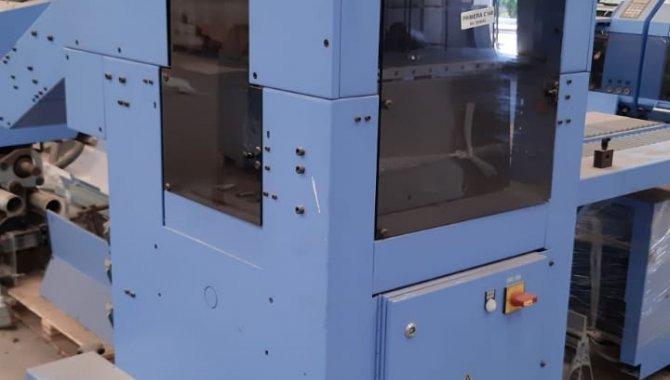 Foto - 01 Máquina automática para grampeação e corte trilateral de revistas e livros - [9]