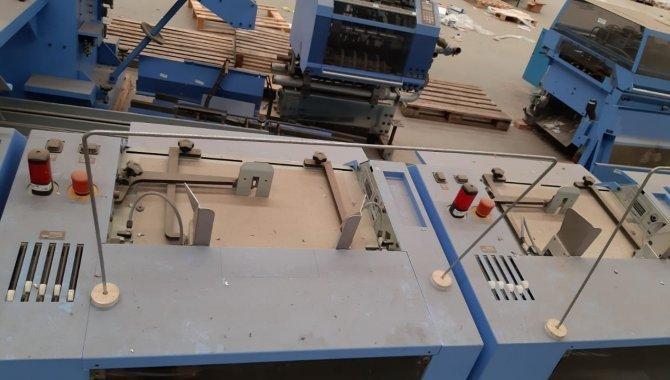 Foto - 01 Máquina automática para grampeação e corte trilateral de revistas e livros - [4]