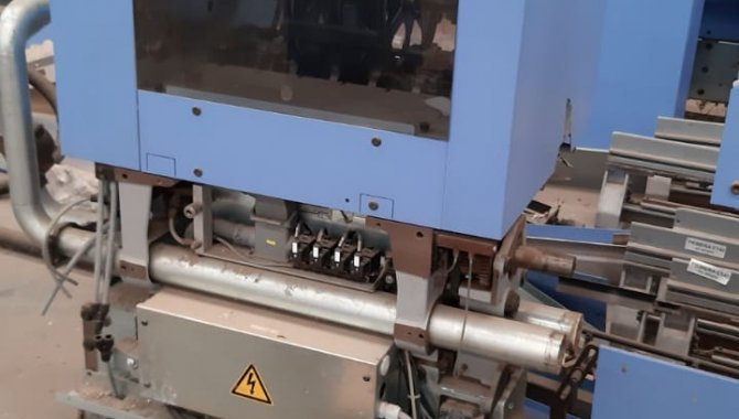 Foto - 01 Máquina automática para grampeação e corte trilateral de revistas e livros - [2]