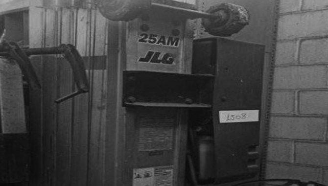 Foto - Plataforma Elevatória JLG Industries/ Mod. 25AM, 2014 - [1]