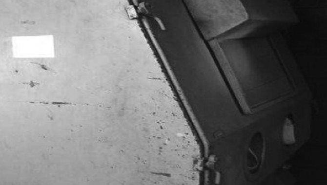 Foto - Cabine de Jato de Esferas de Vidro Blastibras/ Mod. BB90120/1, 1990 - [1]
