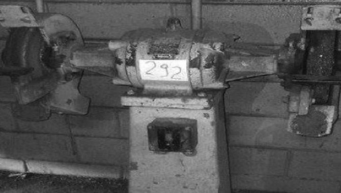 Foto - Esmeril de Coluna Torque, 02 Rebolos e Motor Elétrico, 1990 - [1]