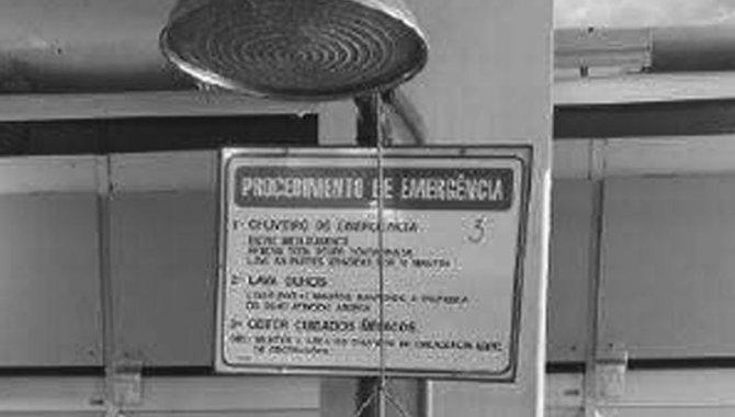 Foto - Chuveiro de Emergência com Lava Olhos, 2014 - [1]
