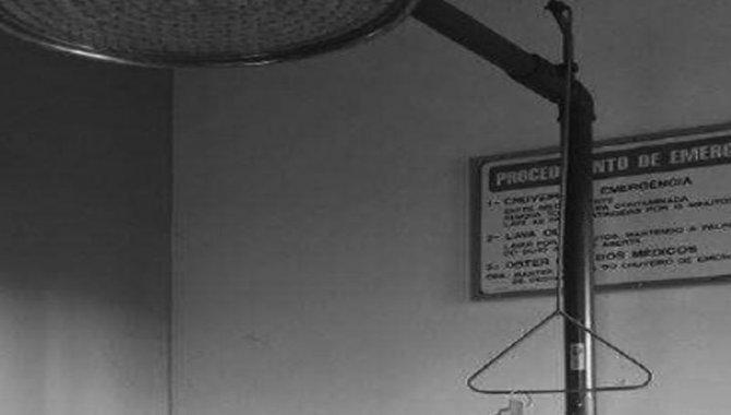 Foto - Chuveiro de Emergência com Lava Olhos, 2000 - [1]