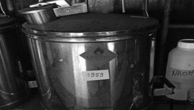 Foto - Galão em Aço Inox, 2004 - [1]