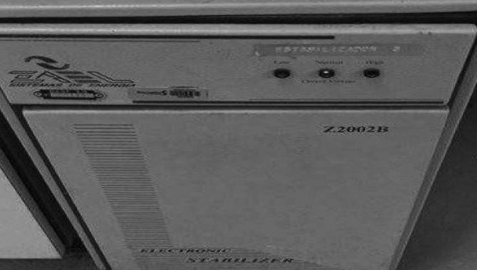 Foto - Estabilizador de Tensão Zael/ Mod. Z2002B, 2005 (Lote 233) - [1]