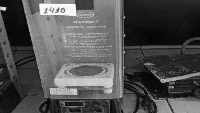 Foto - Digestor de Amostra Hach/ Mod. Digesdahl, 2014 (Lote 258) - [1]