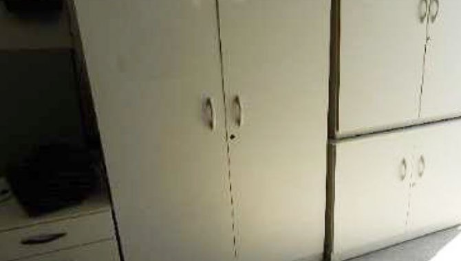 Foto - 01 Armário Alto com 2 Portas, Cor Cinza - [1]