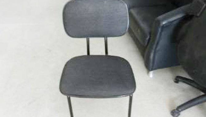 Foto - 01 Cadeira Fixa sem Braço, Cor Preta - [1]