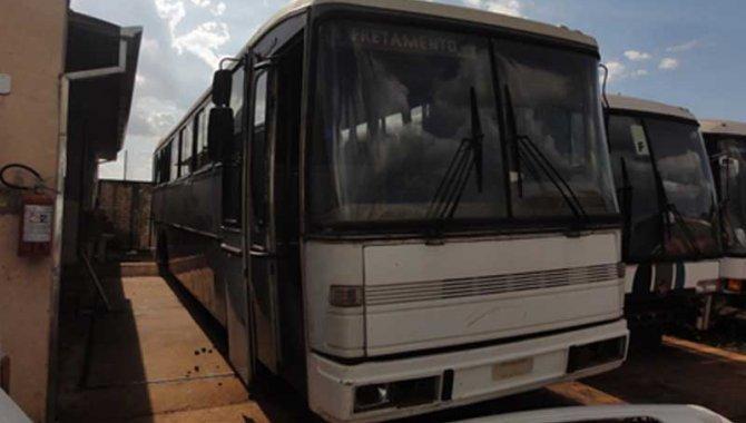 Foto - Ônibus MB-O 317 R/ Marcopolo Viaggio, Branco, 1987 - [1]