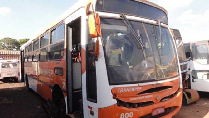 Foto - Ônibus MB-CAIO/ Induscar Apache A, Branco, 2003 (Lote 19) - [1]