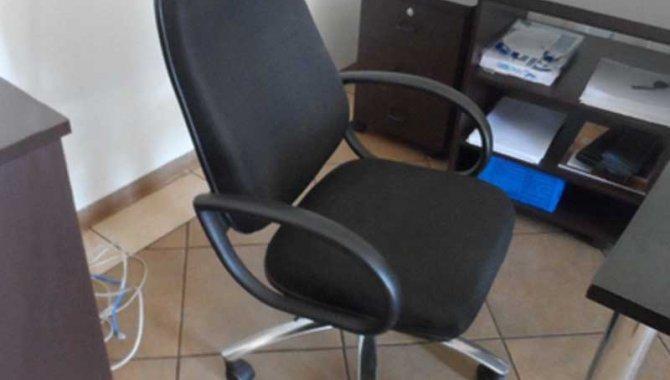 Foto - 01 Cadeira Secretária (Lote 43) - [1]
