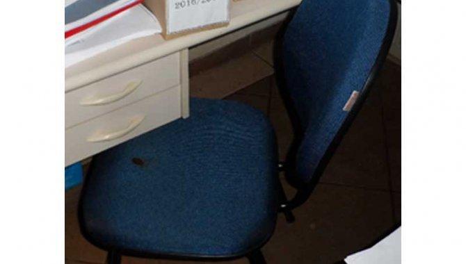 Foto - 03 Cadeiras - [1]