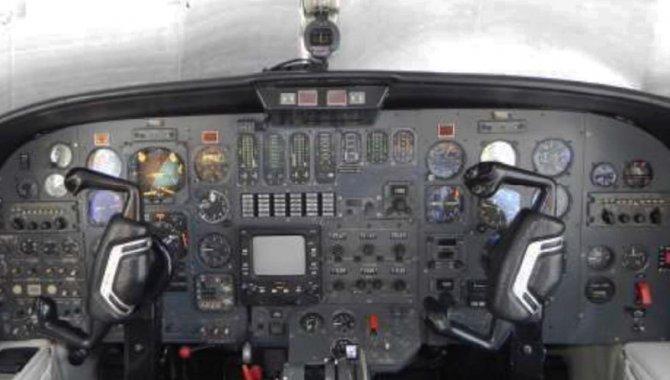 Foto - Aeronave Cessna/ 500, Branca, 1977 - [8]