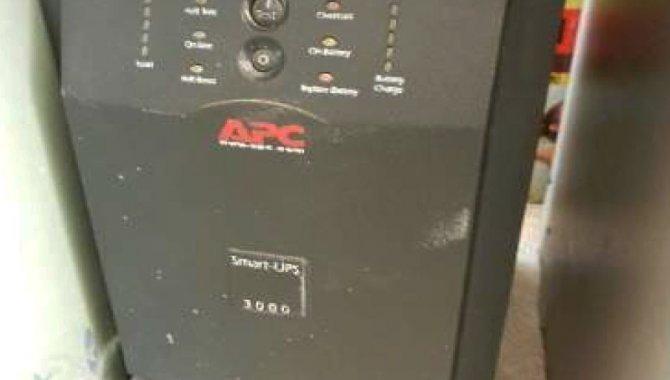 Foto - 01 Nobreak APC/ Smart UPS 3000 - [2]