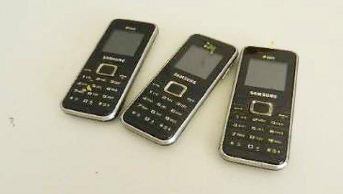 Foto - 03 Aparelhos Celulares Samsung/ Mod. Duos - [1]