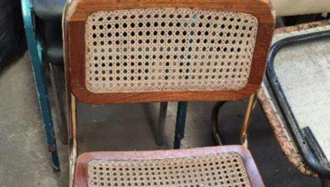 Foto - 16 Cadeiras Madeira com Assento de Palhinha - [1]