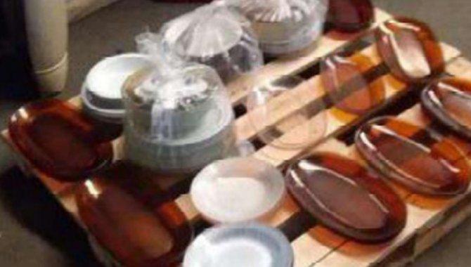 Foto - 01 Lote com Panelas, Copos, Formas, Talheres e Utensílios de Cozinha - [2]