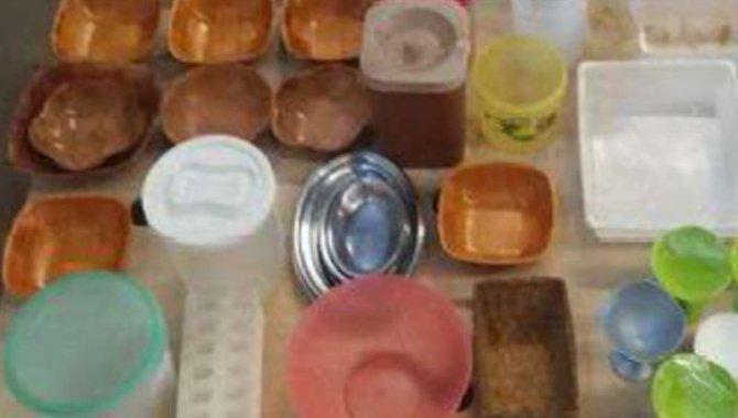 Foto - 01 Lote com Panelas, Copos, Formas, Talheres e Utensílios de Cozinha - [4]