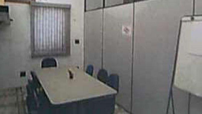 Foto - Mesas, Cadeiras, Ar Condicionado, Armários e Eletrônicos - [1]