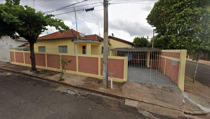 Foto - Nua Propriedade da Parte Ideal sobre Casa 80 m² - Vila Glória - Assis - SP - [1]