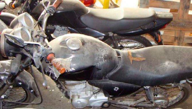 Foto - Moto Honda Titan CG 150 - 2006 - [1]