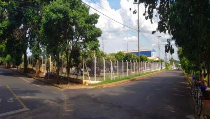 Foto - Galpão 730 m² - Conj. Hab. Hugo Lacorte Vitalle - Jaboticabal - SP - [4]