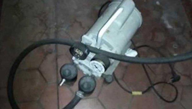 Foto - 01 Bomba de Vácuo e Pressão Quimis - [1]