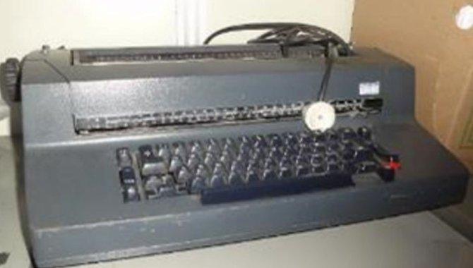Foto - 01 Máquina de Escrever IBM - [1]